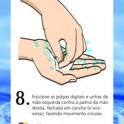 Friccione as polpas digitais e unhas da mão esquerda contra a palma da mão direita, fechada em concha (e vice-versa), fazendo movimento circular