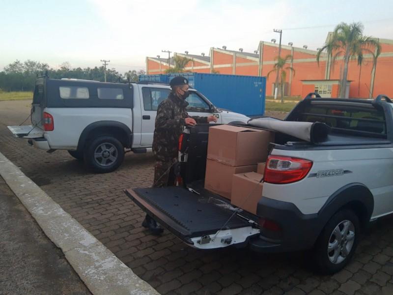 As caixas com as  ampolas de remédios saíram  de Nova Santa Rita na manhã desta terça feira