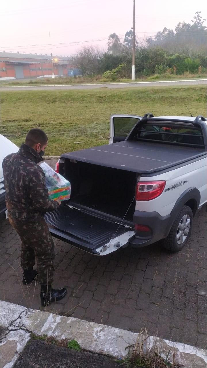Carregamento dos lotes nos veículos   fotos Cabo Osio 3º Grupamentos Logístico